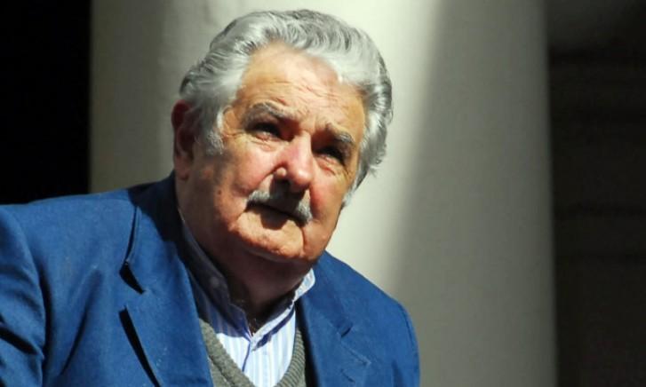 Mujica defende consulta popular para lei sobre aborto
