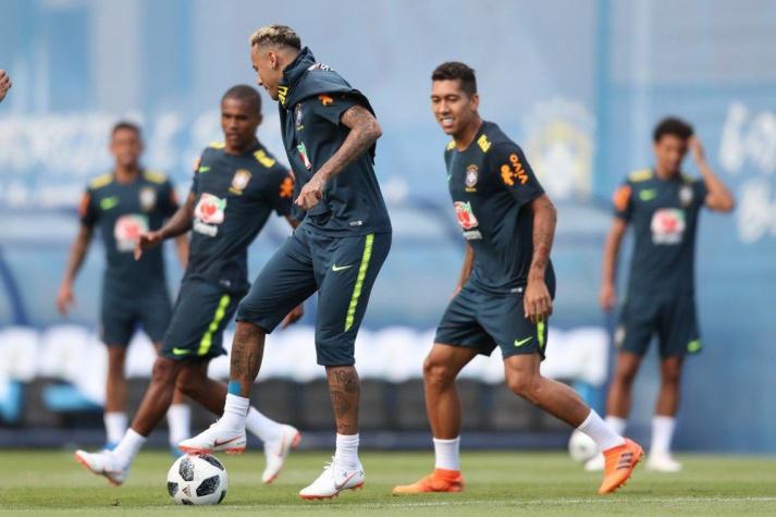 b2bcb56f72 Neymar fez aquecimento em campo com os demais jogadores