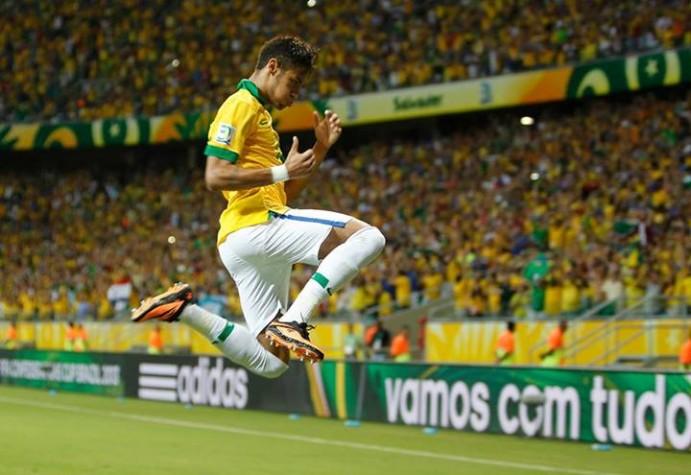 Neymar comemora gol contra Itália, na Fonte Nova, pela Copa das Confederações