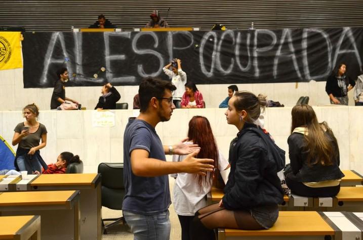Estudantes secundaristas ocupam a Alesp em SP