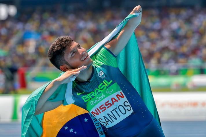 Petrucio Ferreira estabeleceu recorde e depois ele próprio bateu a marca
