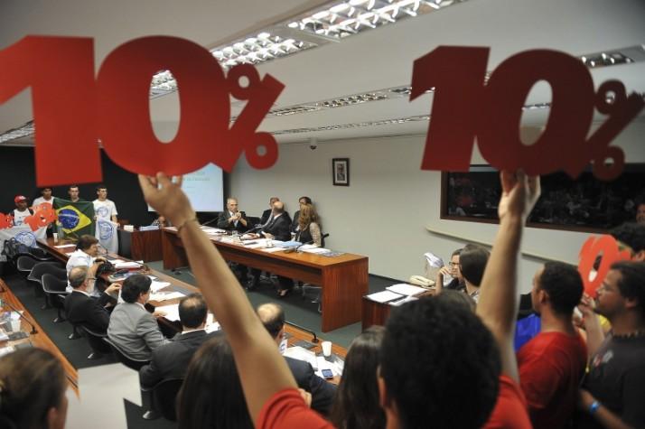 O PNE que visa destinar 10% do PIB para a educação será votado em Setembro