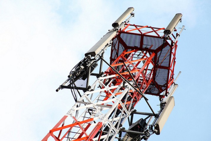 Infraestrutura de telefonia móvel deverá ser compartilhada, diz Paulo Bernardo