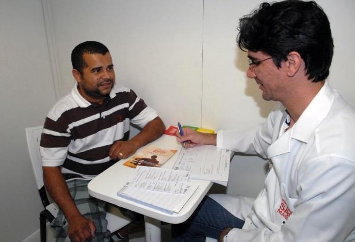 Imagem - Homens devem superar tabu sobre exame de próstata