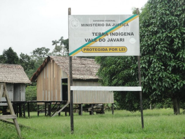 O indigenista Marco Targino em missão no Vale do Javari, Amazonas 2