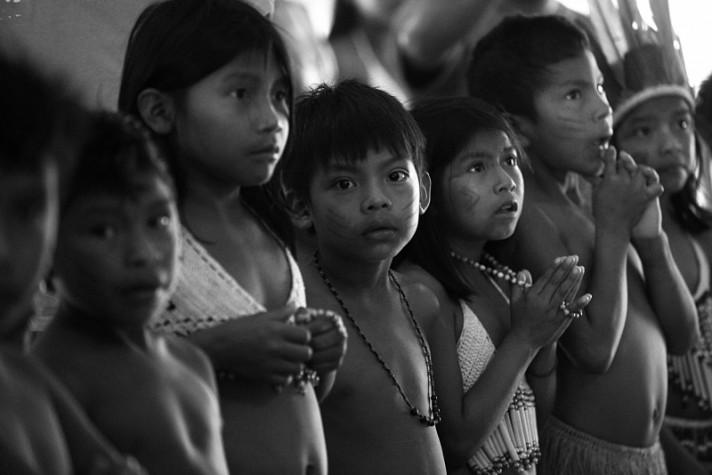 Cerimônia de boas vindas da comunidade indígena Maturuca