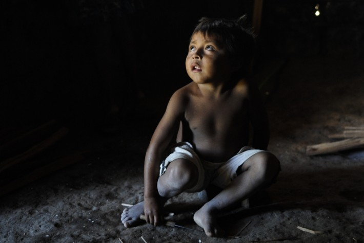 Criança indígena da etnia Ingaricó