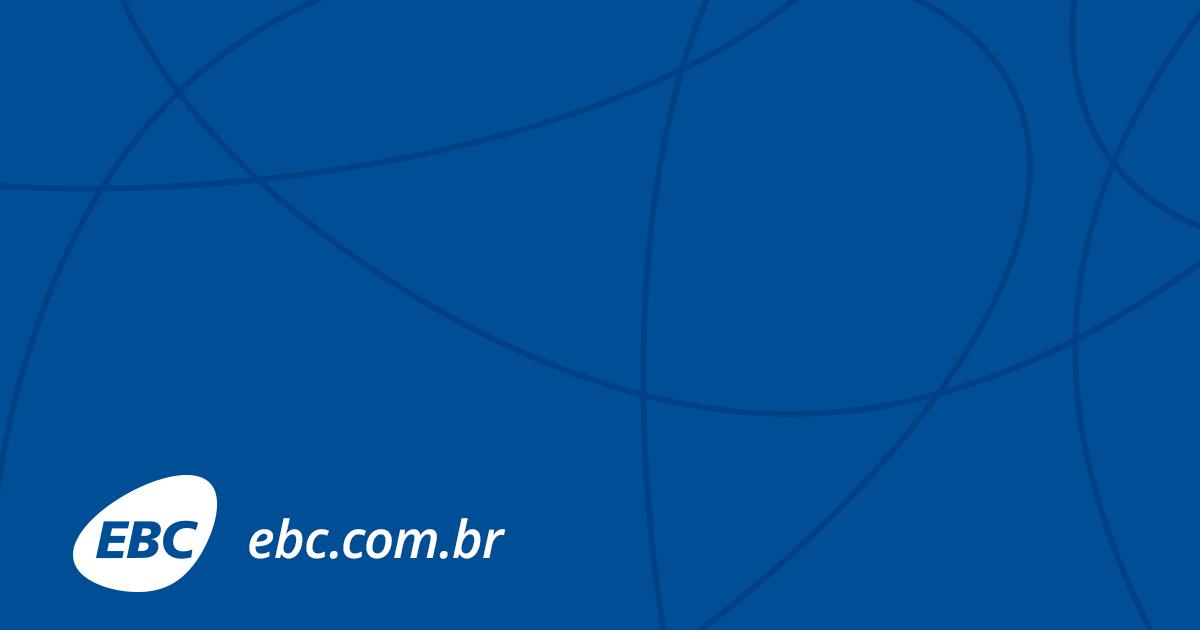 Paulistanos aproveitam o aniversário de SP para provar comida de ... - EBC